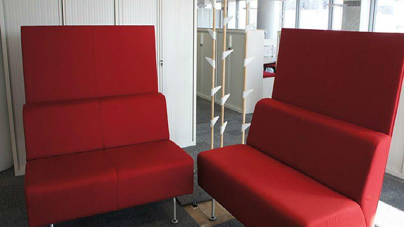 fauteuils-entreprise-rouges