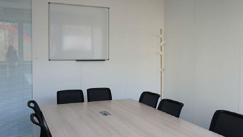 salle-reunion-bureau-entreprise-mobilier